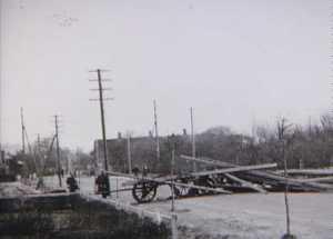 Dansk patrulje ved vejspærring i Bredebro om morgenen 9. april