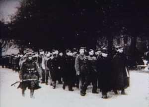 Danske soldater føres under tysk bevogtning gennem Kastellet d. 9. april 1940