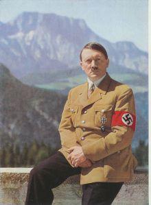 Briterne opbragte for få dage siden et tysk skib i neutralt norsk farvand. Hitler er rasende, men endnu tager Tyskland officielt hændelsen med ro. Foto: Frihedsmuseets billedarkiv