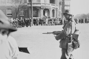 Tysk afspærring af Østerbrogade i København ved Østerport Station den 9. april 1940. Foto: Frihedsmuseets billedarkiv.